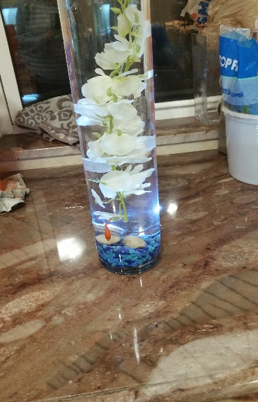 Wedding Center Piece Glass Vase and Flowers 02