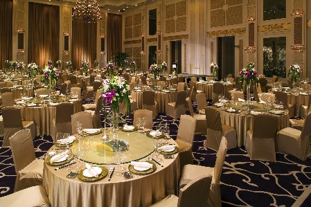 Wedding Decorations - Chair Wraps - Center Pieces - Table Cloths